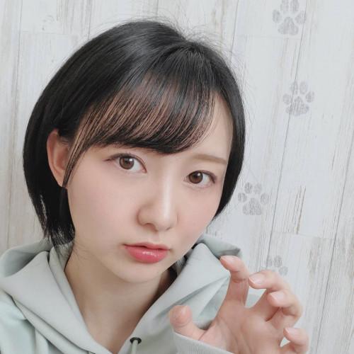早坂梨菜.jpg