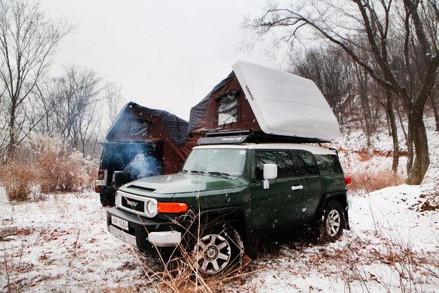 ルーフテントで冬のキャンプを楽しもう~冬のキャンプの注意点と寒さ対策~
