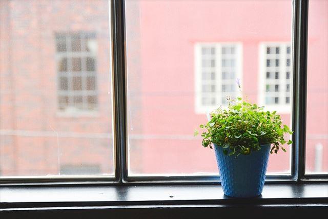 壁内結露の仕組みと対策について~窓や壁には防水加工を~