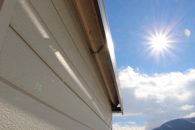 外壁と屋根を同時に塗装するメリット