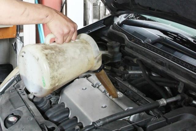 旧車には粘度の高い鉱物油がおすすめ!旧車をメンテナンスする際の心構え