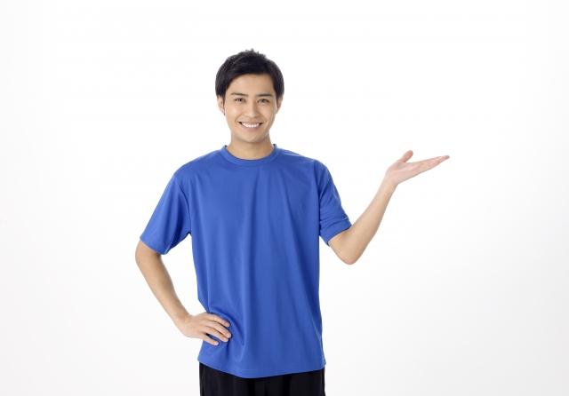 銀座のフィットネスジム【Stan'sFitness】で健康的な筋トレ・ダイエットを始めよう! | 青いシャツを着た人物