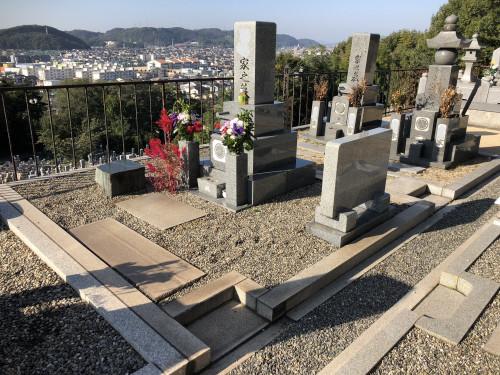 墓石撤去ビフォア.jpg