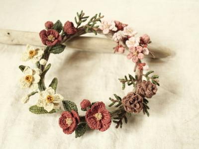 草木染め冬の花リース.JPG