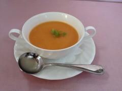 ④トマトの冷たいスープ盛り付け.JPG