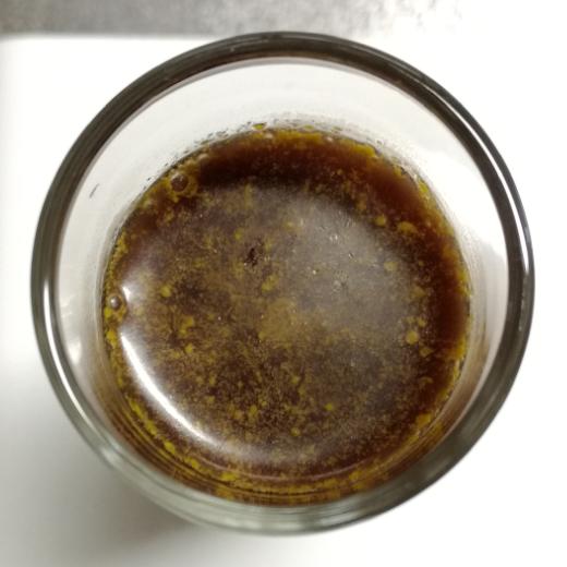 05_ショットグラス液面の油脂分あり.png