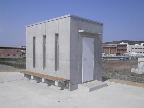 水産加工処理場排水樋管操作室②.JPG