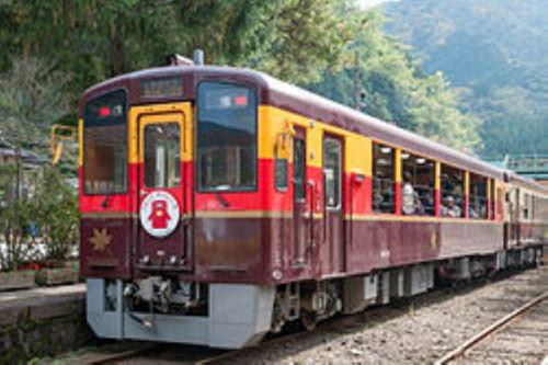 250px-Watarase-Keikoku-Railway-WKT551Resize.jpg