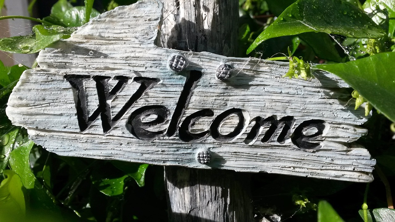 welcome-sign-724689_1280.jpg