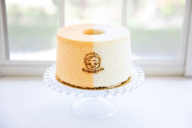 黄色と白のシフォンケーキ