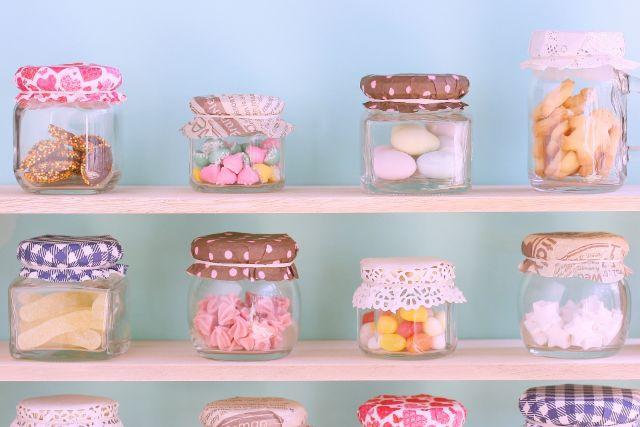 様々な種類のお菓子