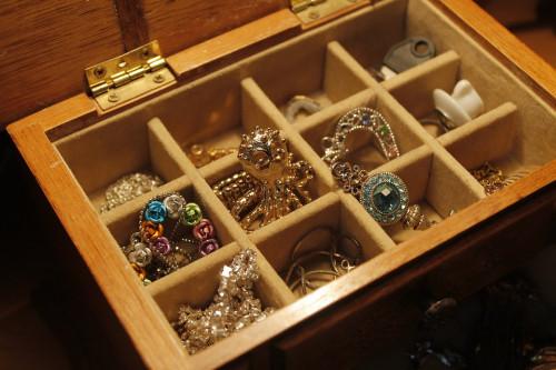 jewels-1090711_960_720.jpg