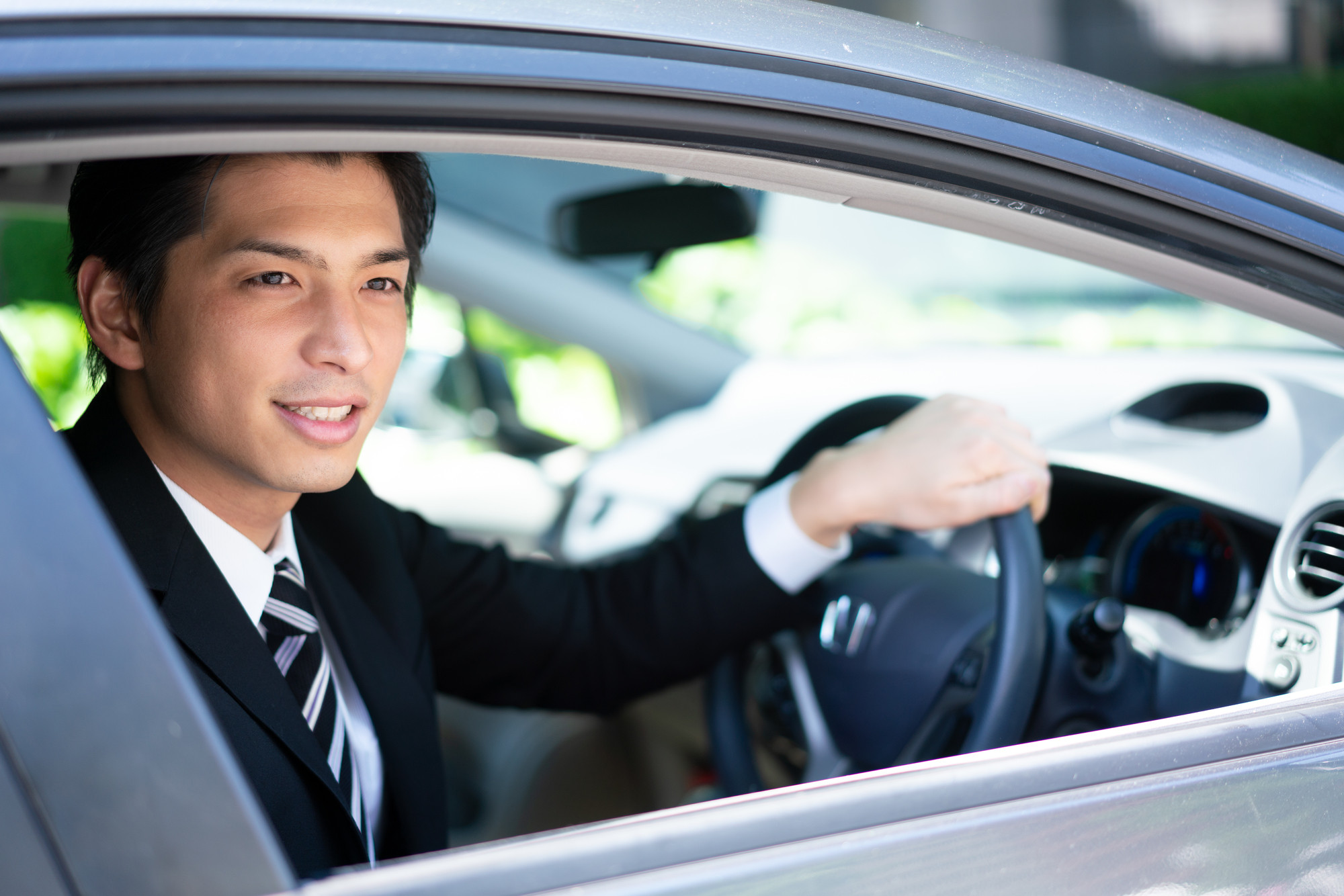 □役員運転手が知っておくべき心得とは?暗黙のルールに要注意 - 株式 ...