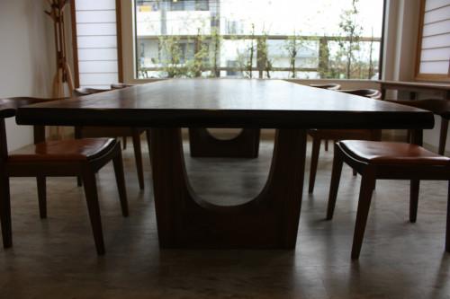 うえの豊中大テーブル