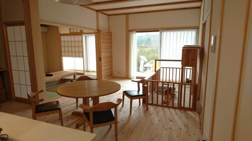 兵庫県川辺郡Y邸 栗の丸テーブル