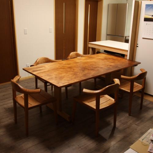 松のテーブル 斜め削り