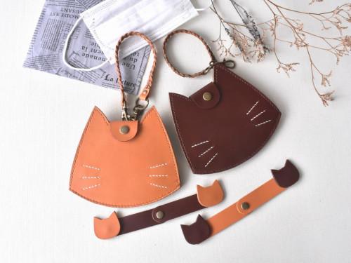 マルチに使える猫のマスクケース(革ロープ・マスクフック付)
