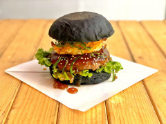 ○ TERIYAKI burger  ¥950