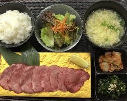 沖縄和牛 極上和牛タン定食 ひとり 焼肉 極上牛メニュー.jpg